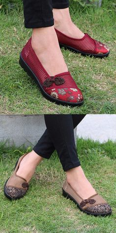 $16.43 HOT-SALE.Flower Chineseknot Vintage Retro Mesh Breathable Slip On Flat Shoes