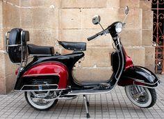 Vespa VBC 1966 - Love the colors...