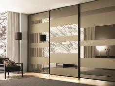 Armoire laquée en bois à portes coulissantes SEGMENTA NEW Collection MisuraEmme by MisuraEmme | design Mauro Lipparini