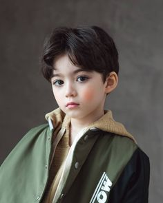 Image may contain: 1 person, child and closeup Cute Asian Babies, Korean Babies, Asian Cute, Cute Babies, Cute Little Boys, Cute Baby Boy, Cute Boys, Dad Baby, Mom And Baby
