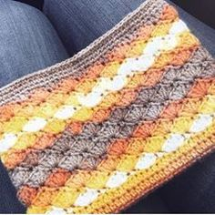 Sonbahar renklerim #crochet #crochetersofinstagram #crochetblanket #crochetshawl #crochetlove #crocheting #knitting #knittersofinstagram #wool #crochetbag #crochetaddict #colours #rengarenk #örgü #orgumodelleri #dantel #tığişi #follow #followme #atkı #şal #çanta #örgüçanta #battaniye #baby #instagram #bebek #hobi #elişi #❤️