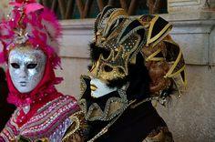 https://flic.kr/p/kZXCsk | Venice Carnival 2014 - Carnevale di Venezia 2014 | Giovedì e Venerdì grasso nelle calle di Venezia per fotografare le sue splendide maschere carnascialesche