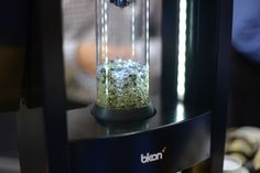 The BKON Craft Brewer allows beverage artisans to optimally craft any loose-leaf tea, third wave coffee or infused cocktail through the use of negative pressure | Baxtton