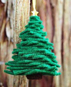 Easy DIY Felt Christmas Tree Ornament | Stunningly Beautiful DIY Homemade Christmas Ornaments