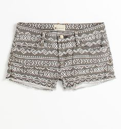Patterned shorts = love