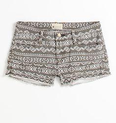 Patterned shorts = love