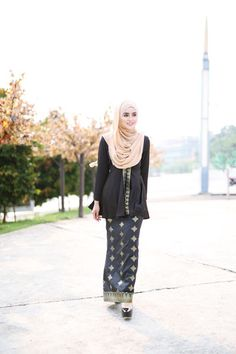 Kyla Songket Black