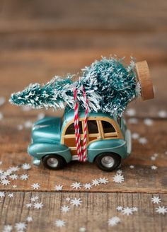 Car & Tree Ornament | this heart of mine = I need to use a pickup truck