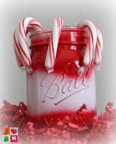 How To Make Santa Mason Jars + More Holiday Jar Tutorials from Having Fun Saving and Cooking.