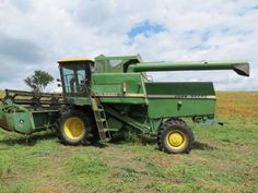 John Deere 6620 Combine  http://www.heavyequipmentregistry.com/heavy-equipment/12810.htm