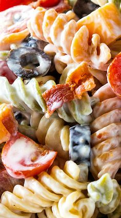 This Bacon Ranch Pasta Salad is a flavorful pasta salad with cheddar cheese, olives, tomatoes, and bacon covered in a creamy ranch sauce. Bacon Ranch Pasta Salad, Pasta Salad Recipes, Bacon Pasta, Crab Salad, Summer Pasta Salad, Summer Salads, Side Dish Recipes, Dinner Recipes, Side Dishes