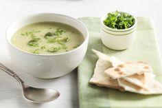 Komkommer kan je niet alleen rauw eten, je kan er ook heerlijke soep van maken! Probeer deze lekkere winterse komkommersoep eens!