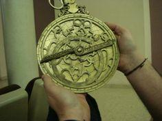 Arabien keksimä navigointiväline, astrolobi. Se mahdollisti merenkäynnin avomerellä.