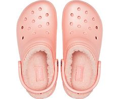 Our classic Crocs favorite just got even better! Shop this lined clog and get all the features you already loved and keep your toes toasty all season! Fuzzy Crocs, Women's Crocs, Crocs Shoes, Crocs Fashion, Fashion Slippers, Winter Crocs, Cute Shoes, Me Too Shoes, Girls Clogs