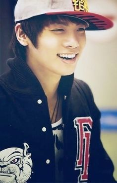 SHINee Jonghyun your so gorgeous  (@ ̄ρ ̄@)