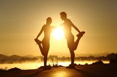 Silhouette of a fitness couple stretching at sunset. Silhouette of a fitness cou , San Francisco Half Marathon, Sun Background, Couple Running, Cute Love Wallpapers, Romantic Gif, Fit Couples, Portsmouth, Scenery, Marathon