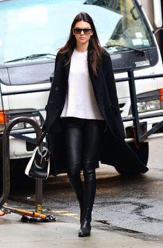 October 22, 2014 - Kendall out and about in Soho, New York City.