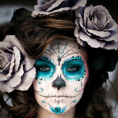 The 11 Best Halloween Makeup Ideas - Not sure what to dress up as? Check out these Halloween Makeup Ideas for a little inspiration. makeup wolf The 11 Best Halloween Makeup Ideas Sugar Skull Make Up, Sugar Skulls, Sugar Skull Face Paint, Candy Skulls, Maquillage Sugar Skull, Fantasias Halloween, Fantasy Makeup, Artistic Make Up, Colorful Makeup