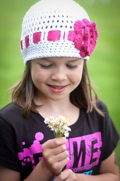 Bitty Flower Hat ~ free pattern