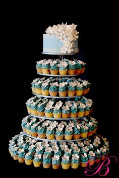 Blue and white flowers cupcake tower