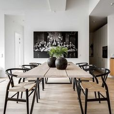 Today we are talking about the best white dining room decor for your dining room design. Dining Table Design, Dining Room Table, Dining Area, Dining Rooms, Esstisch Design, Dining Room Inspiration, Dining Furniture, Home Interior Design, Nordic Interior