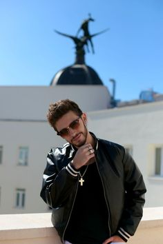 Justin Timberlake, Youtubers, Celebs, Celebrities, Gentleman, Crushes, About Me Blog, Mens Sunglasses, Handsome
