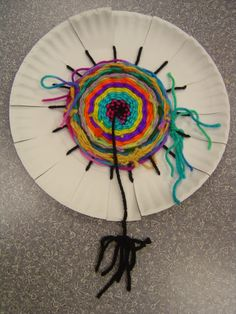paper plate weaving {1hr project}
