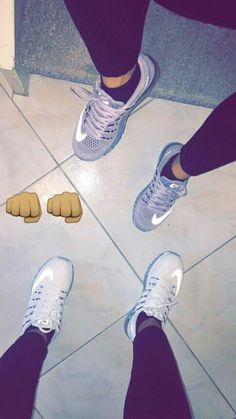 Fashion, style, nike, airmax, fashion & make up💅🏽 Story Snapchat, Snapchat S, Instagram And Snapchat, Pink Nike Shoes, Nike Shoes Outfits, Photo Couple, Foto Instagram, Best Friend Goals, Tumblr Girls