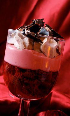 @Jennifer Ostman Klemmensen     Valentines Dessert : Chocolate Raspberry Trifles