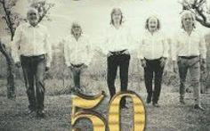 """50 anni di applausi per I Camaleonti, recensione nuovo album e video backstage Sono passati più di 50 anni da quando I Camaleonti si affacciarono sulla scena beat con """"Sha la la la la"""", iniziando un'avventura che ha visto transitare nella loro formazione grandi musicisti... #camaleonti #50anni #applausi"""