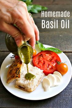 This homemade basil oil recipe is such a delicious topping! It's a great way to use fresh basil in the summer. Fresh Basil Recipes, Herb Recipes, Canning Recipes, Italian Recipes, Real Food Recipes, Great Recipes, Favorite Recipes, Healthy Recipes, Healthy Cooking