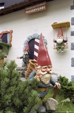 If only all Garden gnomes were as cool as this one from Berner Oberland, Switzerland, Alps, Europe! (go to the link here - the Gardens of Versailles and others are W.O.N.D.E.R.F.U.L. ... sighhh