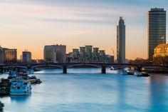"https://flic.kr/p/qrYBND | Good Morning London | The Vauxhall Bridge at sunrise during a crisp, winter morning.  Jon Reid   |   <a href=""http://www.nomadicvision.com"" rel=""nofollow""> Portfolio  </a>  | <a href=""http://nomadicvision.com/blog"" rel=""nofollow""> Blog  </a>  |  <a href=""https://www.facebook.com/NomadicVision"" rel=""nofollow""> Facebook</a>"