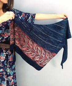 Silverleaf by Lisa Hannes knitted by malabrigo A. Knitting Club, Lace Knitting, Knitting Needles, Knit Crochet, Knit Wrap Pattern, Knitting Patterns, Knit Scarf Patterns, Knitting Accessories, Knit Fashion