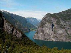 World's Most Beautiful Landscapes, from all over the world:  Canada, Zimbabwe, Finland, Taiwan, United States Of America, Australia, Zambia, Bolivia, Norway, New-Zealand, China, French-Polynesia...