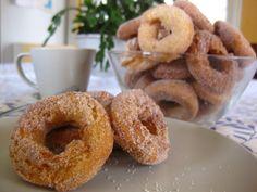 Receita de Rosquinha frita super fácil para o café. Enviada por Carolina S. e demora apenas 45 minutos.