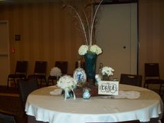 peacock bridal shower - bride's table