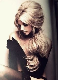 long gloves and gorgeous hair...only wish i could pull that off