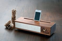 Vaughan Dock 2.0 : dock pour Iphone au style 60s