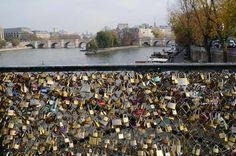 #vanesarey paris love lock bridge
