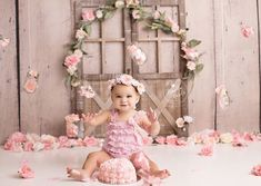 Celebrate a milestone in your baby's life with themed baby cake smash photos by Brandie Narola Photography. 1st Birthday Photoshoot, First Birthday Photos, Girl First Birthday, Birthday Pictures, Baby Birthday, Party Pictures, Baby Cake Smash, Birthday Cake Smash, Smash Cakes
