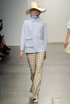 Karen Walker Spring 2015 Ready-to-Wear Fashion Show: Complete Collection - Style.com