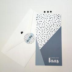 www.zomooi-geboortekaartjes.nl #hip #zwanger #blauw #stoer #sluitsticker #birthannouncement #geboortekaartjes #geboortekaartje #jongen #geometrisch #zwangerschap #baby #dots #newborn #stippen #sluitstickers #babykamer #babyecho #inverwachting #trendy #zwartwit #DiYlabel #pijl Baby On The Way, Baby Love, Diy Cards Baby, Baby Invitations, Graphic Design Inspiration, Scrapbook Cards, Wall Prints, Little Ones, Packaging Design