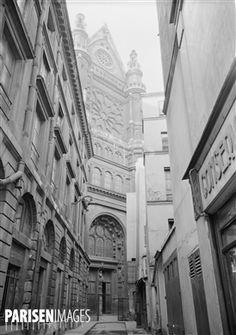 Impasse Saint-Eustache depuis la rue Montmartre. Paris (Ier arr.), 1945-1947. Photographie de René Giton dit René-Jacques (1908-2003). Bibliothèque historique de la Ville de Paris.