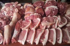 This is a video showing how to Butcher A Whole Pig,the whole process from start to finish.A very detailed and close up, film on how to process a fantastic En...