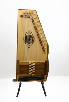 Laura Lee autoharps make it easy to wrap your arms around your autoharp. Order yours today at shop.daigleharp.com