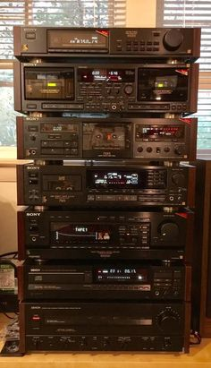 High End Audio For The Passionates Hifi Stereo, Hifi Audio, Hi Fi System, Audio System, Sony Electronics, Audio Rack, Tape Recorder, High End Audio, Radios