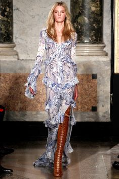Emilio Pucci Spring 2011 Ready-to-Wear Collection Photos - Vogue