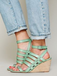 Lily Mint Wedge
