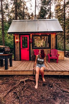 Loving this tiny ecological house in located in Mont-Tremblant, Quebec Camping a whole new way Glamping - Ecofriendly - Outdoors - Weekend Getaway - Wild Shed Cabin, Tiny House Cabin, Cabin Homes, Small House Plans, Diy Cabin, Tiny Homes, Backyard Cabin, Cabin Decks, Small Tiny House